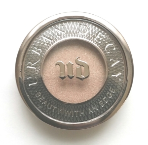 Urban Decay Eyehadow in Sellout