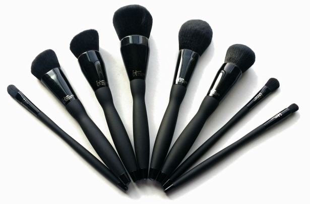 It Cosmetics Velvet Luxe Collection Brushes