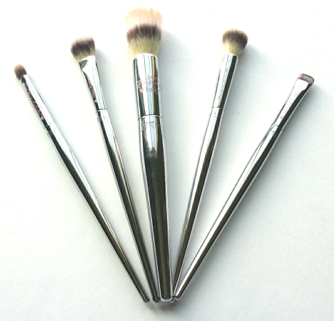 It Cosmetics Live Beautifully Heavenly Luxe Collection Brushes